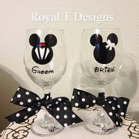 Bride & Groom Mickey and Minnie Wine Glass Set