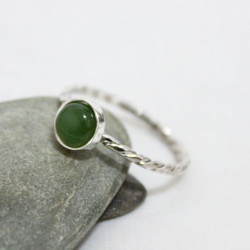 6mm Limegreen Twist Ring/ Nephrite Cabochon Gemstone Ring/ Cute Ring/ Simple Green Gemstone Ring/ Dainty Green Gemstone Ring