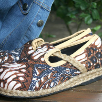 Womens Shoes, Hand Drawn Indigo And Brown Jogjakarta Batik Vegan Loafers - Casey