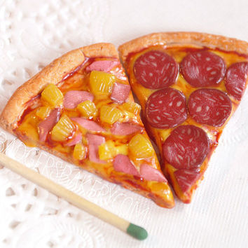 1/4 or 1/3 scale PIZZA SLICE - hawaiian, pepperoni, vegetarian or any custom topping - BJD doll prop for msd, sd, Minifee