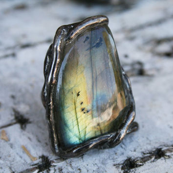 labradorite ring, statement ring, gemstone ring, peacock ring, bold ring, flashy ring, raw ring, organic ring tiffany method adjustable ring