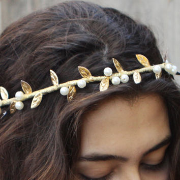 Gold Leaf and Pearl Tiara. Gold Leaf Bridal Crown, Greek Goddess, Prom Hair, Leaf, Bridal Headpiece, Pearl, Gold Leaf, Wedding Crown