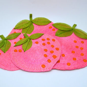 Vintage Strawberry Mats, Set of 4 Straw Mats or Wall Hangings, 2 Large + 2 Small, Pink Red and Green, Adorable! circa 1970s