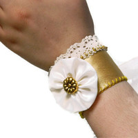 Wedding Gloves. Gold color ivory Wedding Cuff. Lace Wedding accessory, ivory lace cuff bracelet, beaded with button flower