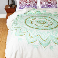 ModCloth Boho Bright or Flight Duvet Cover in Full, Queen