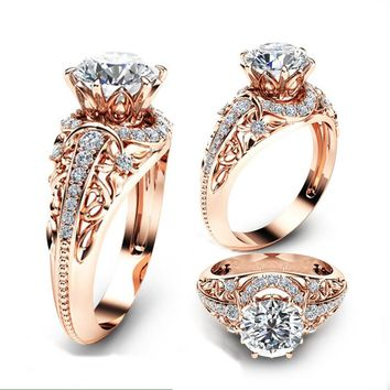 Luxury Wedding 14K Rose Gold Ring Round Cut 2.2CT White Topaz Engagement Ring