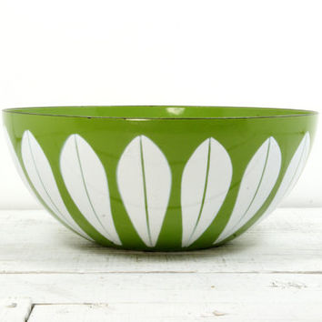 Cathrineholm Lotus Bowl Avocado Green - Metal Enamel Mid Century Scandinavian