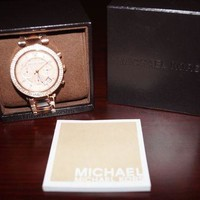 DCCKUG3 Michael Kors MK5841 Women's Watch