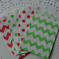 "Mix of 20 Mini Red and Green Chevron and Polka Dot Paper Bags (2.75"" x 4"") Holiday - Christmas Favor Treat Bags - Tiny Paper Bags"