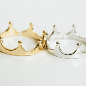 Crown ring, tiara ring, minimal crown ring, crown, princess ring, prince ring, royal ring, little crown ring