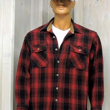 Vintage Field and Stream / Heavy cotton over shirt / size M / 80s mens red buffalo plaid flannel / hunting / fishing / rugged outdoors wear