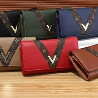 """""""Louis Vuitton""""All-match Simple V Letter Fashion Quilted Metal Chain Single Shoulder Messenger Bag Women Small Square Bag"""