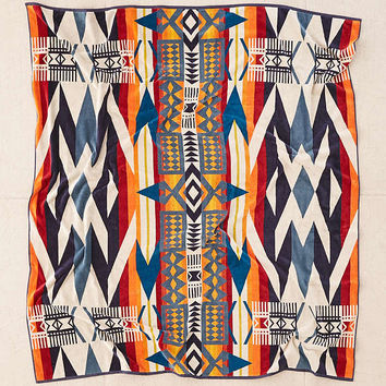 Pendleton Fire Legend Towel For Two Oversized Towel | Urban Outfitters