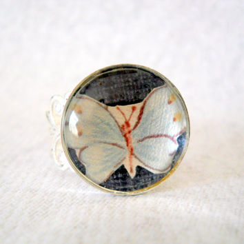 Vintage Paper Butterfly Ring, Adjustable Filigree Ring, Spring Jewelry, Butterfly Cabochon Ring