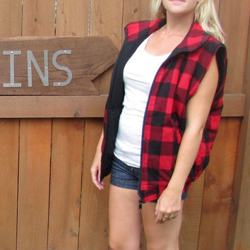 vintage red buffalo plaid sleeveless vest. 100% cotton. H Valentino.