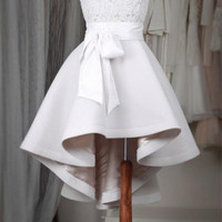 Gorgeous Short Front Long Back Prom Dresses Short O Neck Cap Sleeves Lace Appliques Top High Low Cocktail Dress 2017
