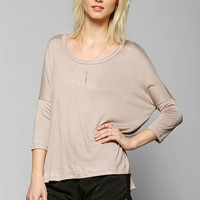Mouchette Step-Hem Tee - Urban Outfitters