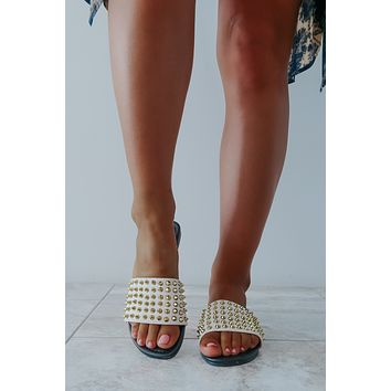 She's So Edgy Sandals: Nude/Multi