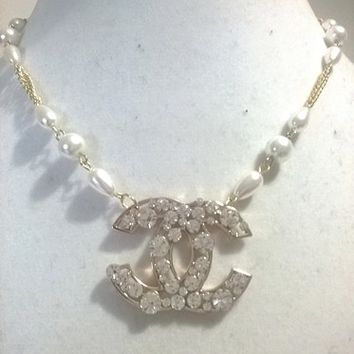 """Gorgeous 18"""" Designer Runway Pearl and Crystal Charm Chain Necklace"""