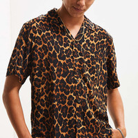 UO Leopard Rayon Short Sleeve Button-Down Shirt | Urban Outfitters