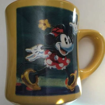 Disney Store Coffee Mug Minnie Mouse Red Polka Dot Dress Multicolor Tea Cup 11oz