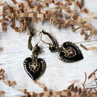 lovely allure indie heart earrings by Sweet Romance - $25.99 : ShopRuche.com, Vintage Inspired Clothing, Affordable Clothes, Eco friendly Fashion