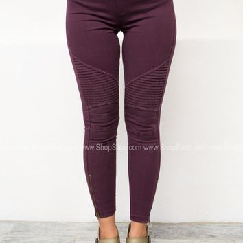 Pleated Zipper Skinny Jeggings | Burgundy