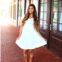Off White Piko Cap Sleeve Swing Dress