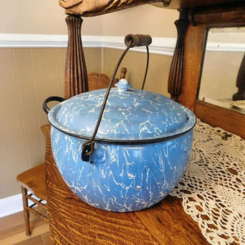 1800s Graniteware Kettle Covered Berlin Style Antique Enamelware Light Blue and White Swirl Camping Campfire Cooking Cottage Chic Farmhouse