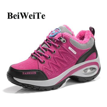 Women Winter Sneakers Sports Hiking Shoes With Fur Height Increasing Barefoot Shoes Wedge Cushioning Lady Outdoor Mountain Shoes