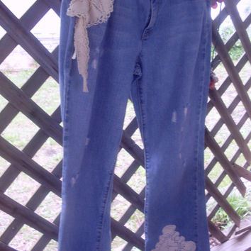 Jeans..tattered..vintage look....crochet..hippie..boho..shabby chic
