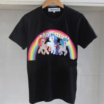 ac NOVQ2A Moschino The star of the same rainbow pony unicorn prints a slim female T-shirt.Black