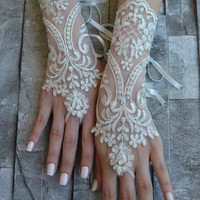 Free Ship lace glove, Bridal Glove, silver ivory lace cuffs, lace gloves, Fingerless Gloves, bridal gloves  Free Ship, gloves, ivory glove
