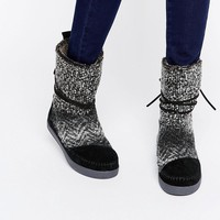 TOMS Black and White Nepal Boots