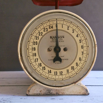 Vintage Hanson Kitchen Scale/ Antique Kitchen Scale/ Vintage Scale/ Red and White Kitchen Scale/ 25 pound scale