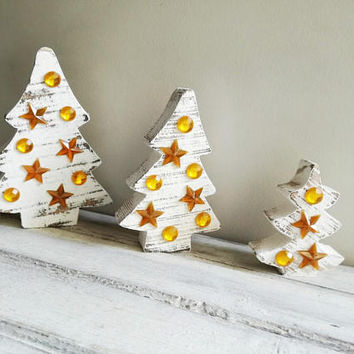 Distressed wood Xmas trees, wooden Christmas trees in distressed style with golden beads and stars, Xmas boho, rustic trees, set of three