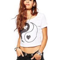 Yin-Yang Heart Print Short Sleeve Graphic Cropped T-shirt