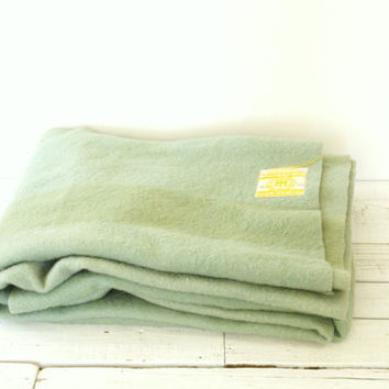 Hudson Bay 4 Point Wool Blanket - Light Green