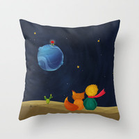 The Little Prince and Fox Looking at Starry Night Throw Pillow by casehunter