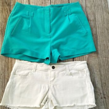 2 Pair Shorts Forever 21 Turquoise Dress Sz M Ivory Denim Stretch Shorties Sz 28