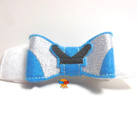 English girl in Wonderland inspired 3D felt bow felt clippie physical item made to order