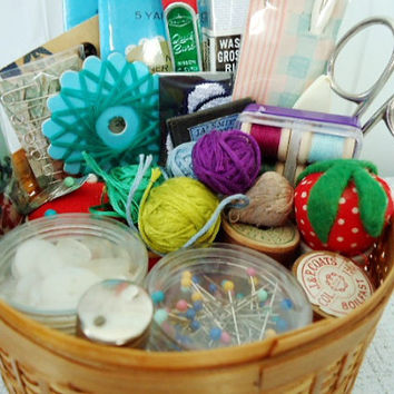 Mini Sewing Notions - Vintage Sewing Notions - Vintage Miniature Sewing Supplies