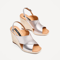 JUTE WEDGES WITH CROSSOVER STRAPS DETAILS