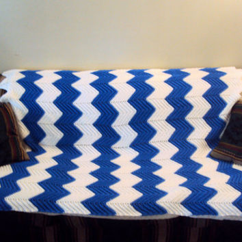 Psychedelic Zigzag Afghan Crochet Striped Chevron Baby Blanket Throw Blanket Blue and White Ripple Retro Blanket Lap Cover FREE SHIPMENT