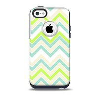 The Vibrant Green Vintage Chevron Pattern Skin for the iPhone 5c OtterBox Commuter Case