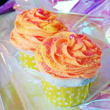 Hawaiian Goodness Frosted Cupcake Bath Bath Bomb Fizzy