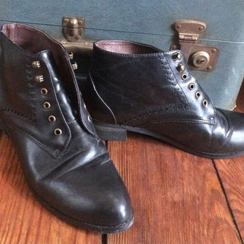 size 8 women's vintage black leather laceless booties, boots, shoes