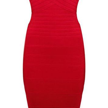 Elegant Formfitting Bandage Dress in Red