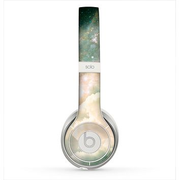 The Cloudy Grunge Green Universe Skin for the Beats by Dre Solo 2 Headphones