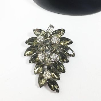 Weiss Rhinestone Brooch Vintage 1950s 1960s Designer Signed Grape Cluster Pin in Smoke Tone Clear Round Marquis Rhinestones Gray Clear Round
